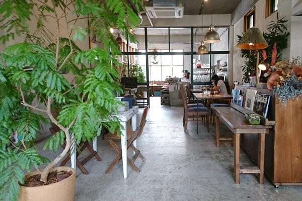 那覇 首里にあるおしゃれな路地裏カフェレストラン「CONTE(コント)」
